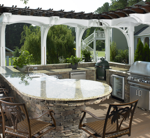 Best Materials for Your Outdoor Kitchen