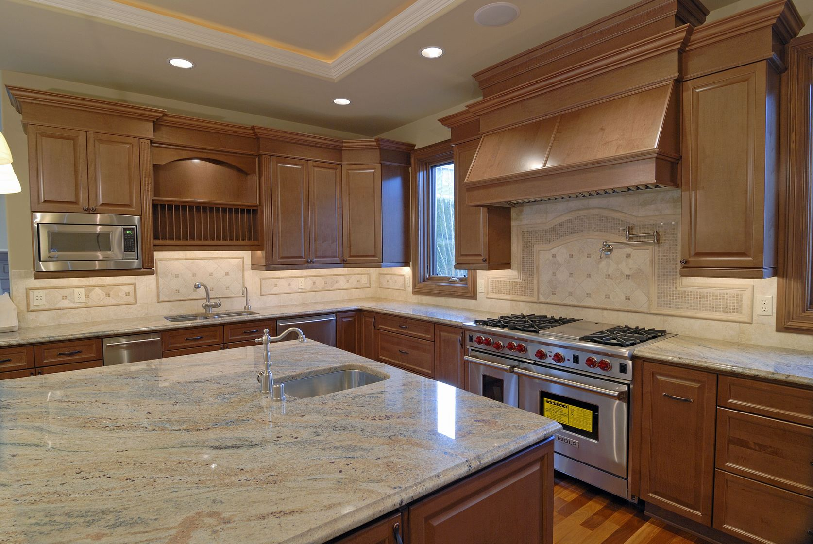 Kitchen remodeling tips how to design a kitchen with marble countertops amanzi marble granite - Granite kitchen design ...
