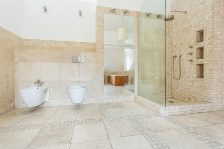 The Hot Bathroom Trend for 2015: Doorless Showers